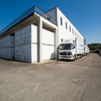 servizi magazzino trasporti roma zumstein