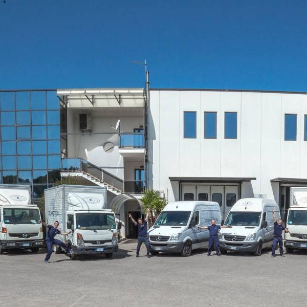 staff zumstein roma di fronte alla sede